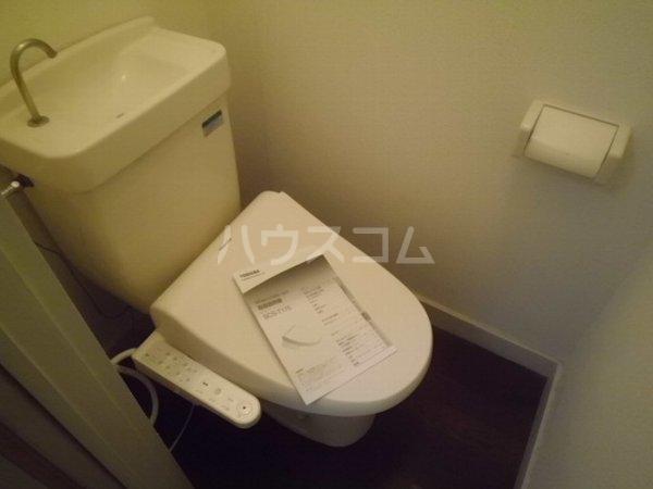 ベルリバー金沢文庫C棟 102号室のトイレ