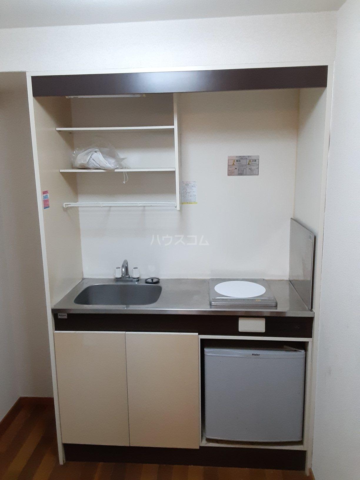 レジデンス西柴 102号室のキッチン