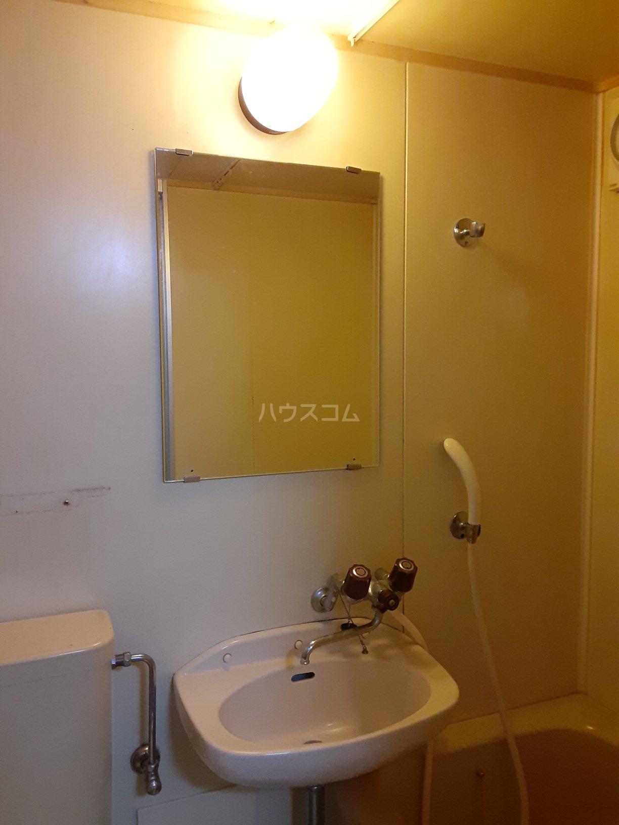 レジデンス西柴 102号室のベッドルーム