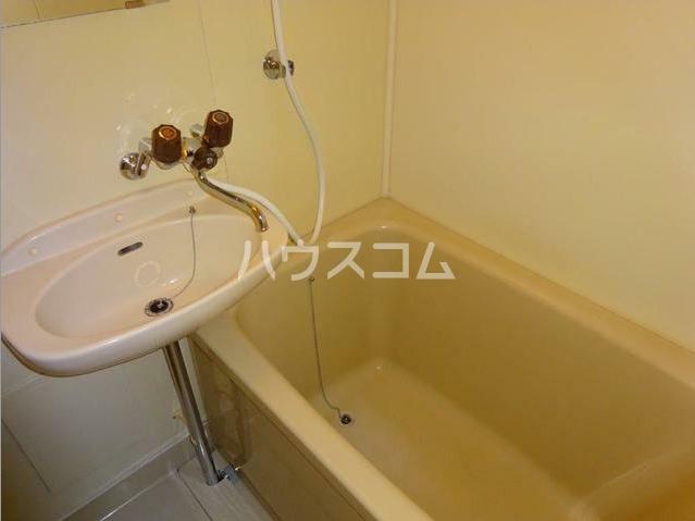 レジデンス西柴 204号室の風呂