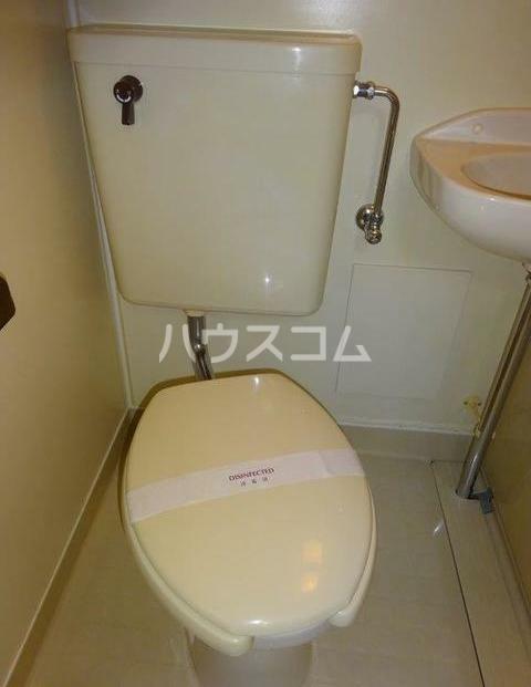 レジデンス西柴 204号室のトイレ