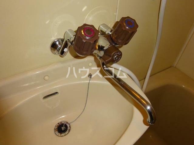 レジデンス西柴 204号室の洗面所