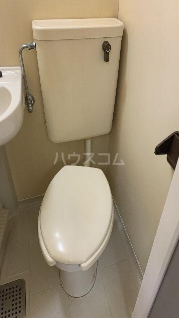 レジデンス紅 101号室のトイレ