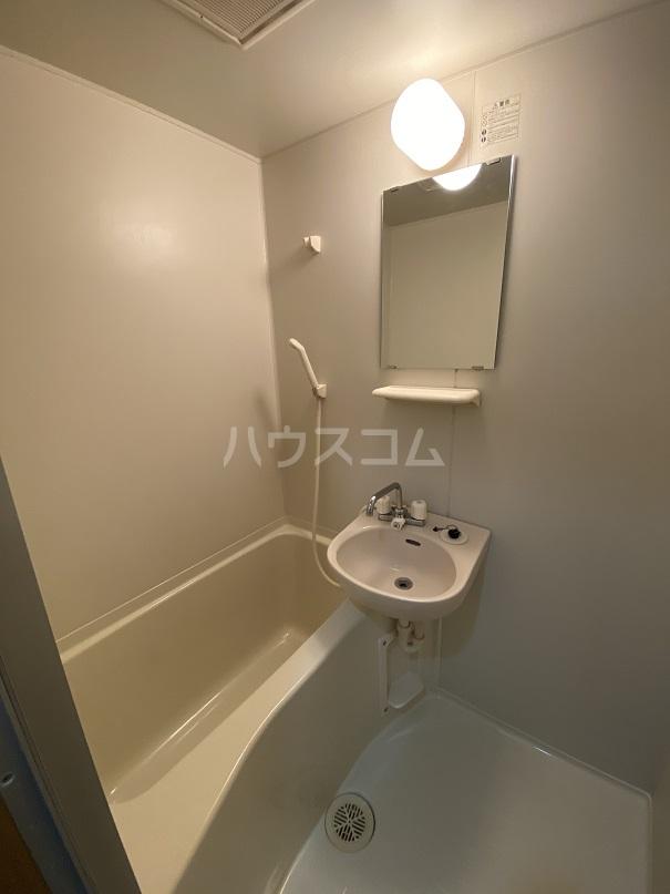 サンコート高砂 103号室の風呂