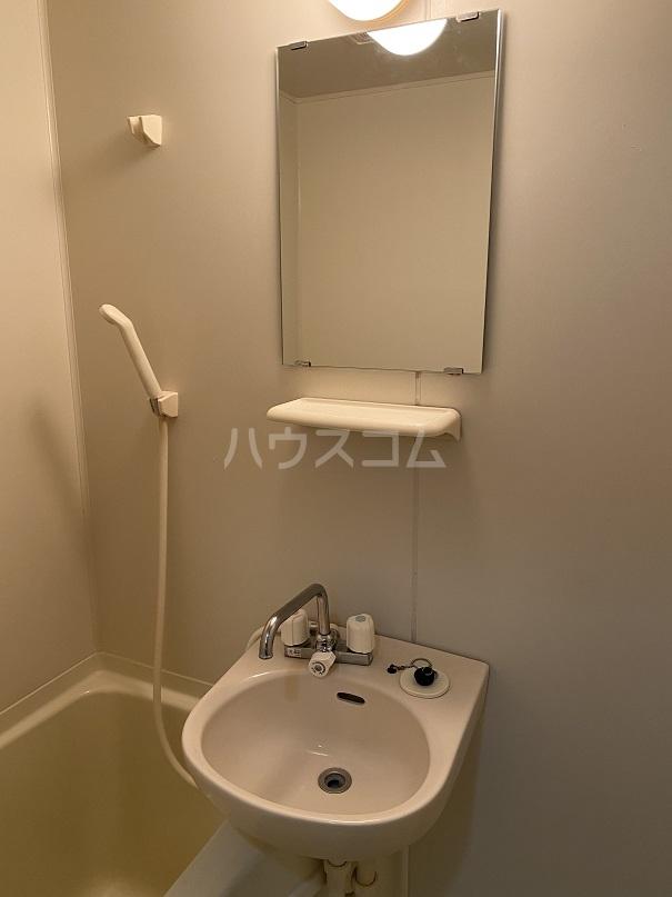サンコート高砂 103号室の洗面所
