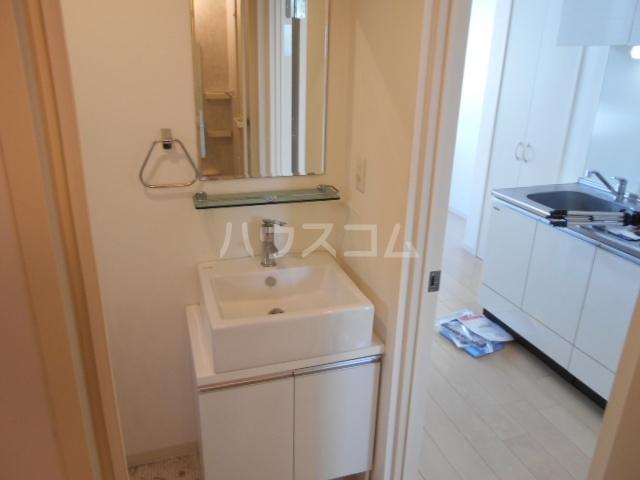 Maison Blanche 202号室の洗面所