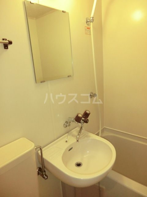 パレス笠寺 101号室の洗面所