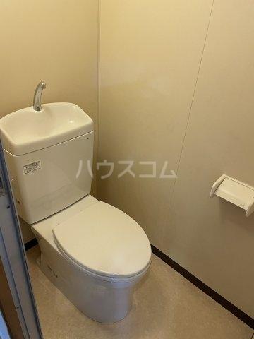 ガーデンヒルズ光 503号室のトイレ