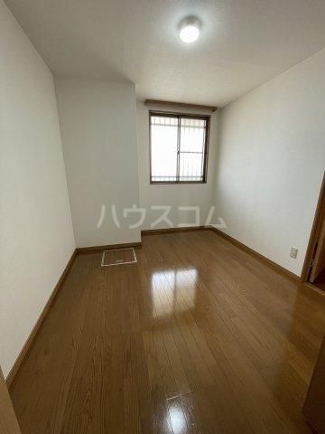 ガーデンヒルズ光 503号室の居室