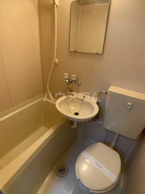 ワイアードヒルズヨコハマ 101号室の風呂
