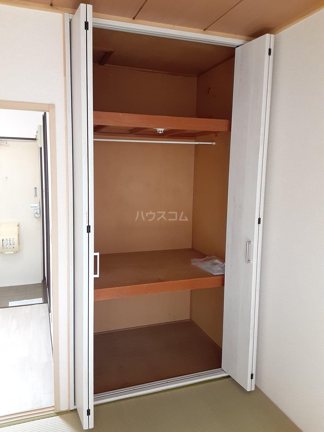 ハイツ大八 102号室のベッドルーム