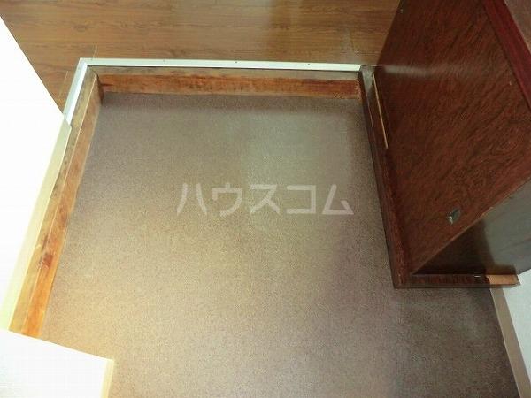 大平マンション 415号室の玄関