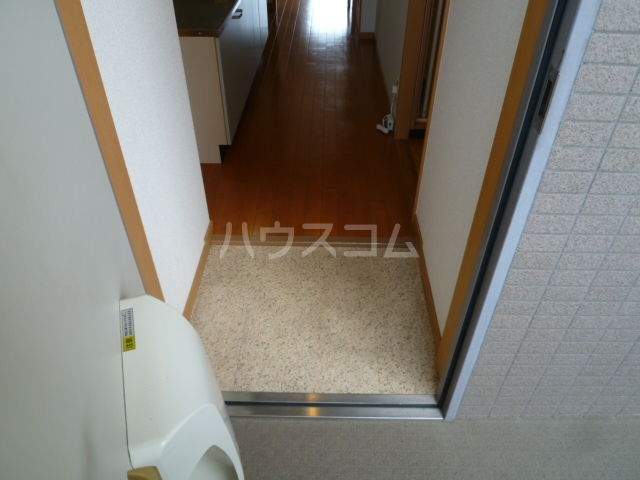 M・HOUSEⅠ 306号室の玄関