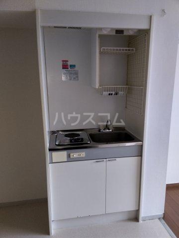 グレースタウンB 302号室のキッチン