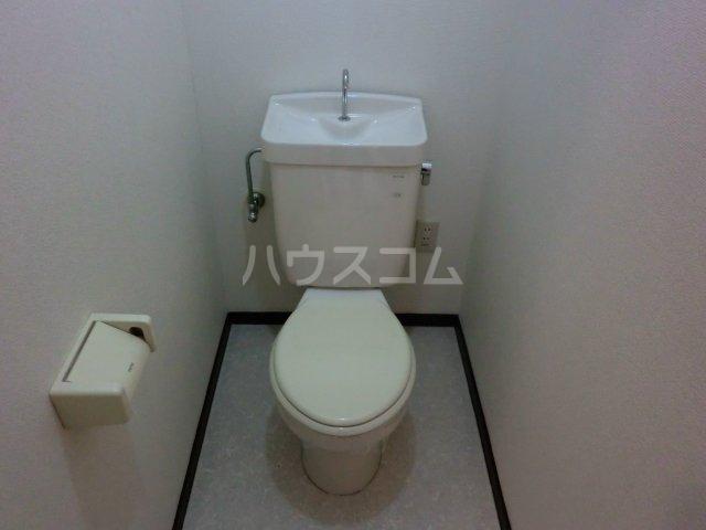 エスト小城 303号室のトイレ