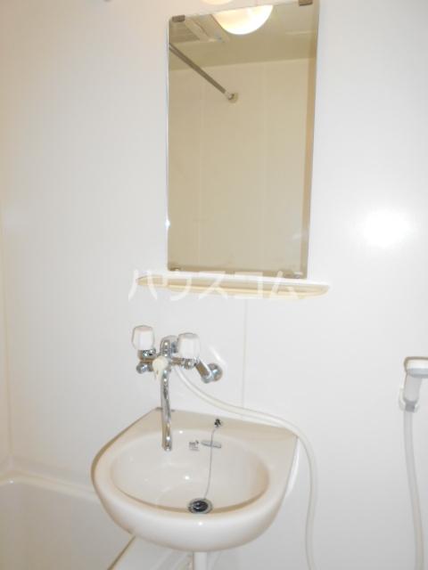 オリーブハウス 202号室の洗面所