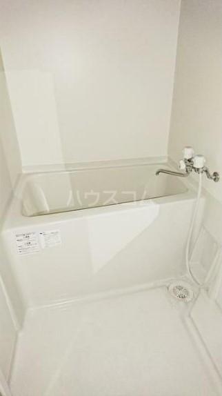 レグルス清新 201号室の風呂