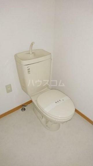 レグルス清新 201号室のトイレ