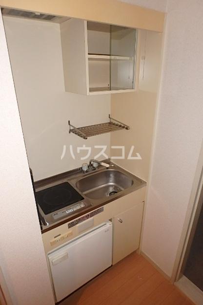 グランディア志賀本通 203号室のキッチン