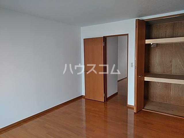 スカイハイツ 205号室のベッドルーム