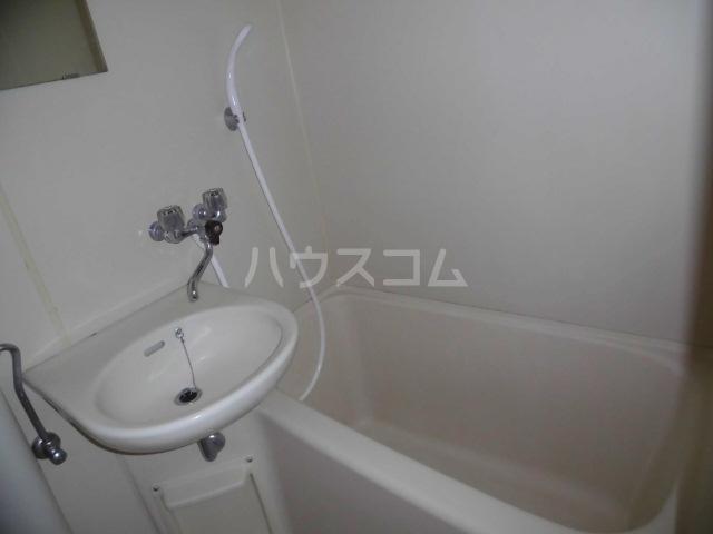 レジデンスキリン 215号室の風呂