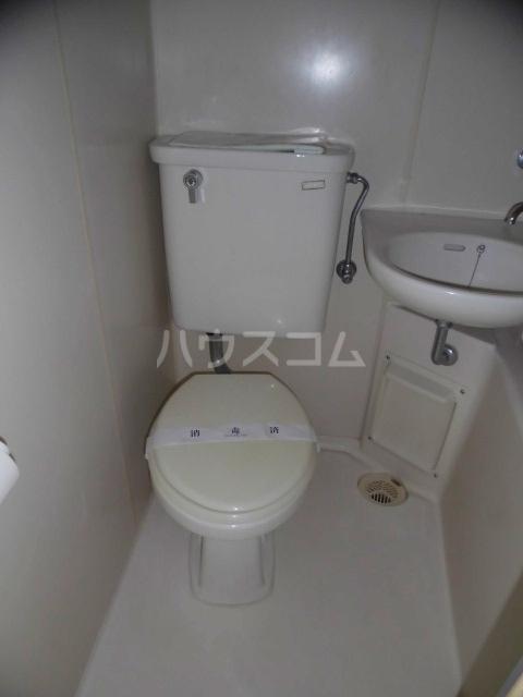 レジデンスキリン 215号室のトイレ