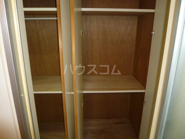 ドミトリー587 203号室の収納