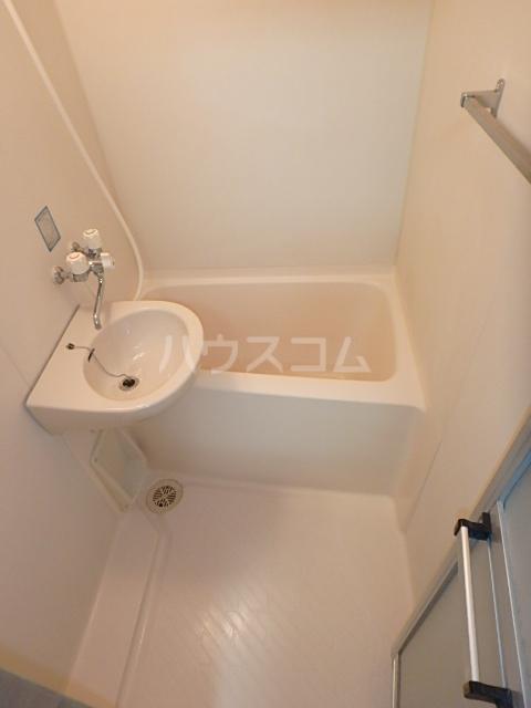 DAIMAN HOUSE 七宝 205号室の風呂