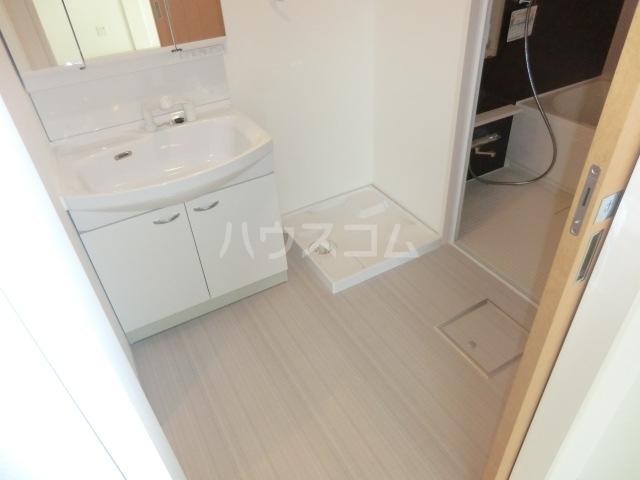喜多山ビル 302号室の洗面所