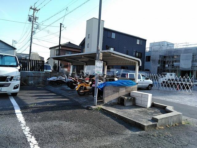 VIP7 210号室の駐車場