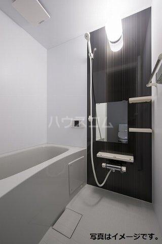 ブドワール塩池 202号室の風呂