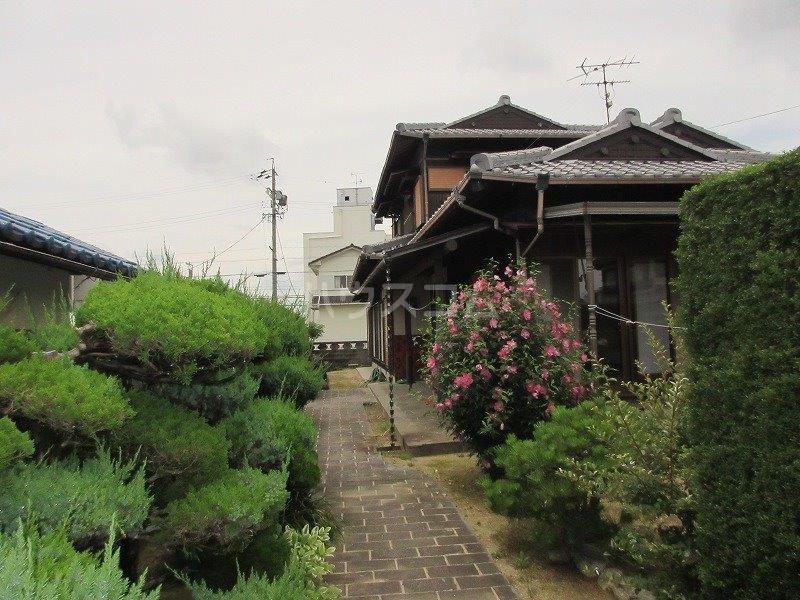 岡本邸貸家の外観