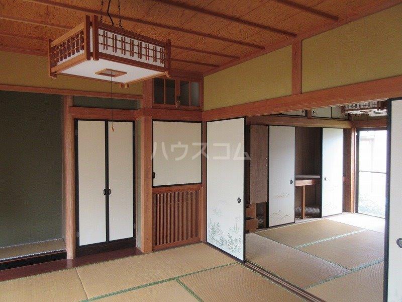 岡本邸貸家のベッドルーム
