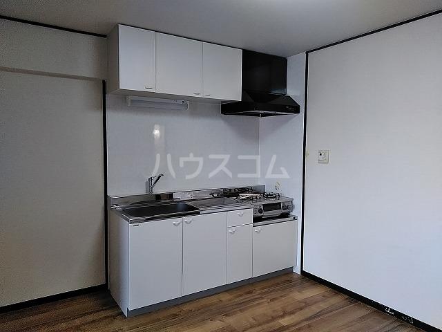サニーハイツKITO 502号室のキッチン