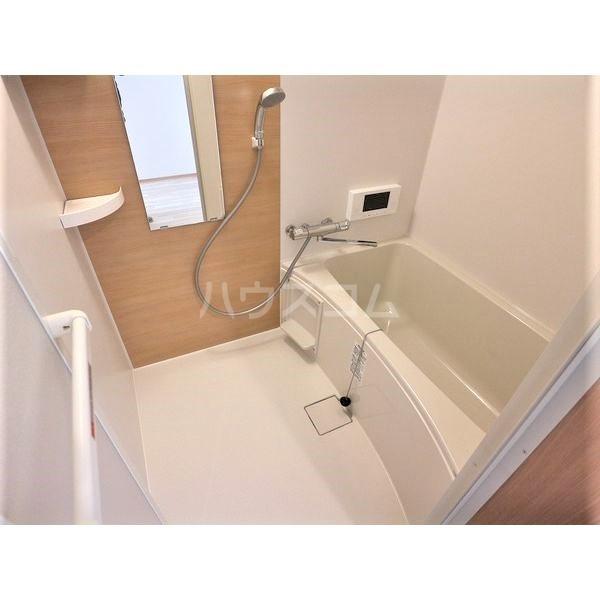 REGALESTリバーサイド新富 102号室の風呂
