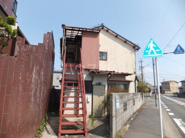 岩塚荘 202号室のエントランス