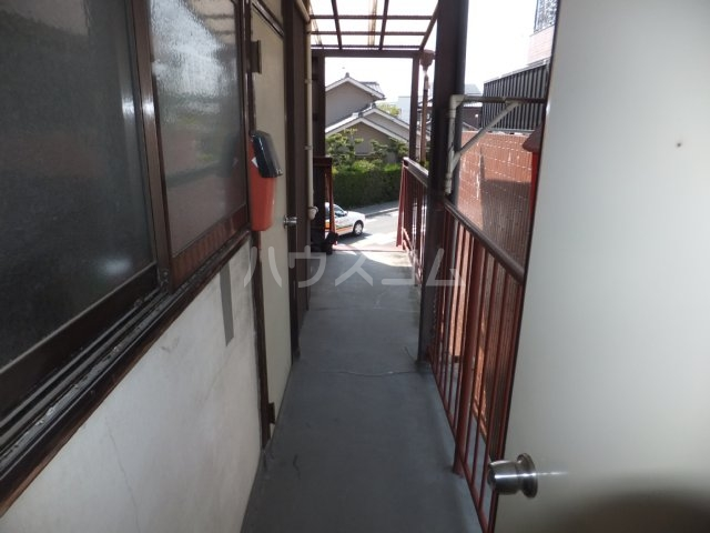 岩塚荘 202号室のロビー
