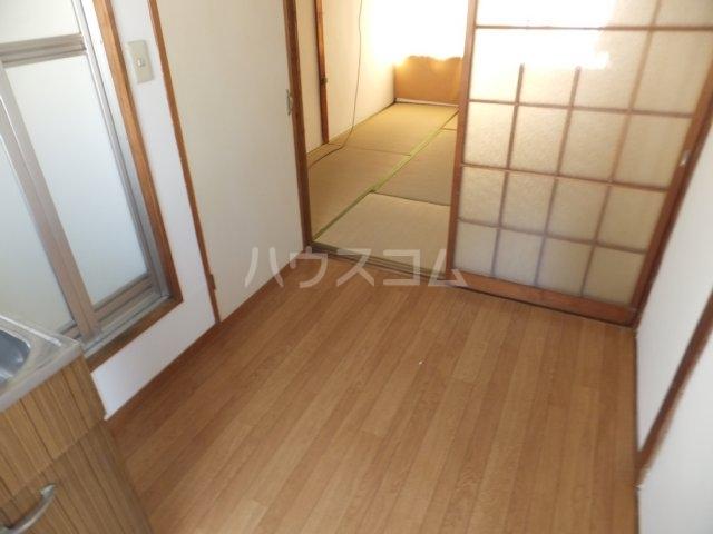 岩塚荘 202号室のリビング