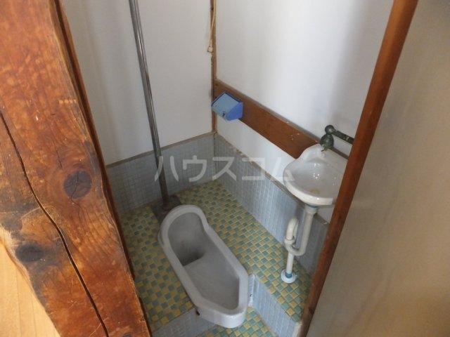 岩塚荘 202号室のトイレ