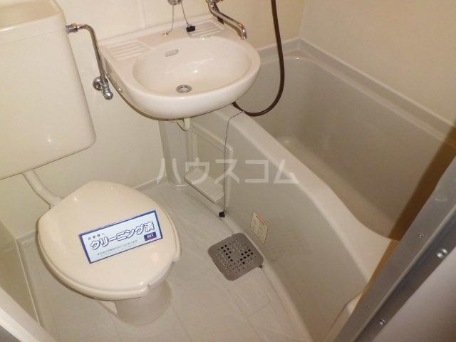 ライブリー平針 101号室の洗面所