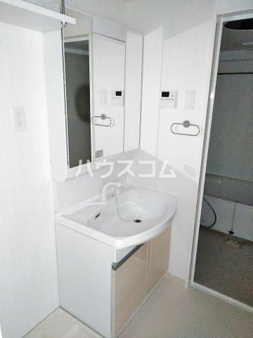 ベルルージュ中村公園 205号室の洗面所