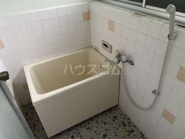 クローバーハウス 102号室の風呂