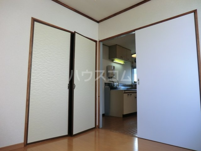 サンハイツ 102号室のエントランス
