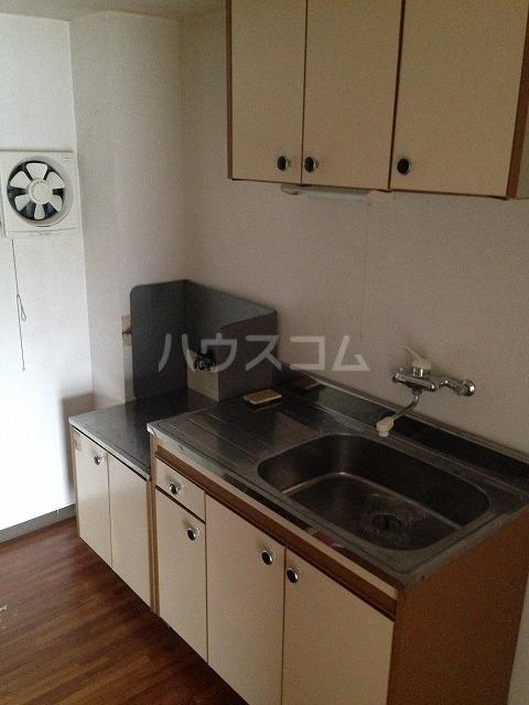 シャンポール三栄前山Ⅰ 205号室のキッチン