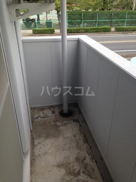 シャンポール三栄前山Ⅰ 205号室のバルコニー