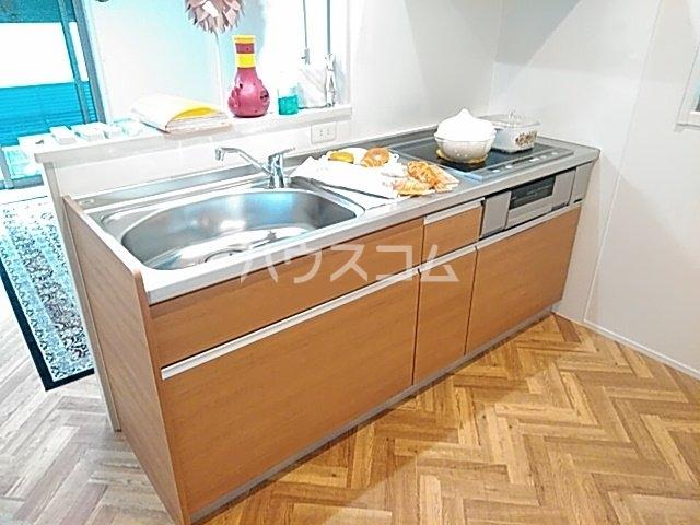 ロジェスティーズ1235のキッチン