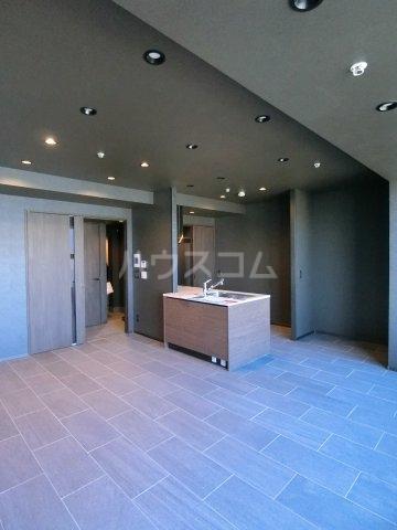 プレミスト天神赤坂タワー 1806号室のリビング