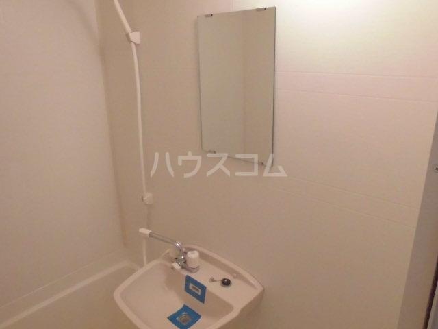 フィオーレ箱崎 201号室の洗面所