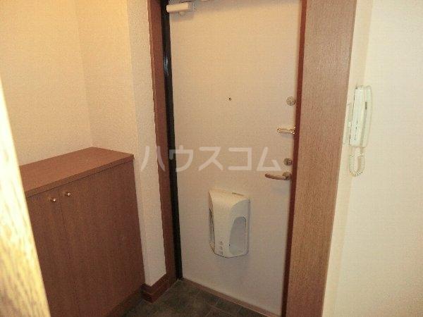 ハイネス・サンⅡ 2A号室の玄関