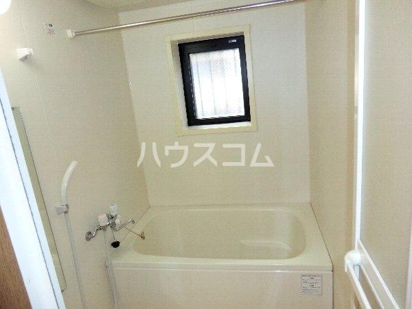ハイネス・サンⅡ 2A号室の風呂